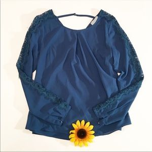 Skies are Blue blue long sleeve lace top XS